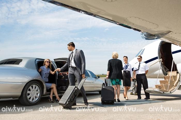 Vì sao nên chọn dịch vụ xe đưa đón sân bay Nội Bài của Aivivu?
