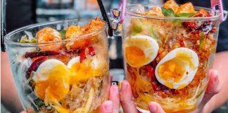 Bánh tráng trộn xô – món cũ kiểu mới thu hút giới trẻ Sài Thành
