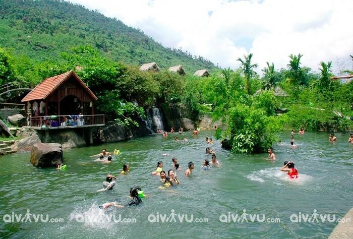 """""""Đưa nhau đi trốn"""" tại 3 khu du lịch sinh thái yên bình nhất Đà Nẵng"""