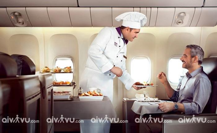 Người già đi máy bay cần lưu ý gì?