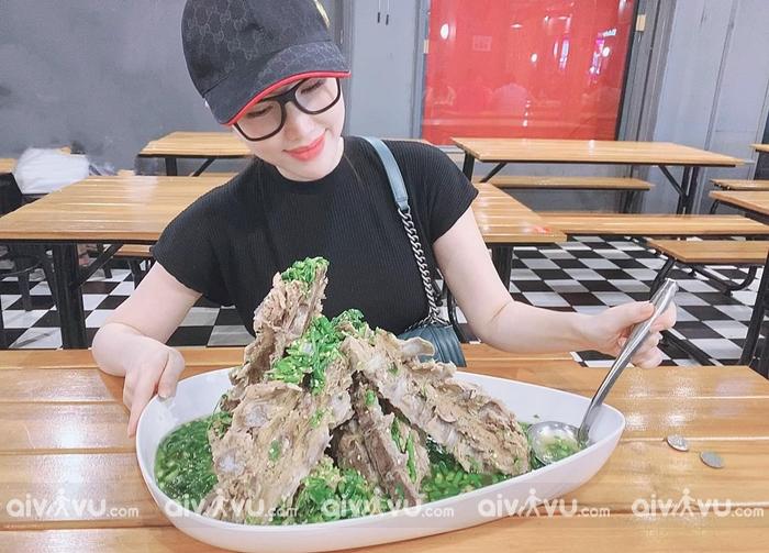 Sốc với những món ăn big size tại Sài Gòn