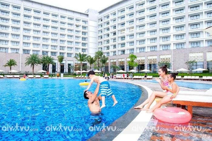Bể bơi Vin Oasis Phú Quốc