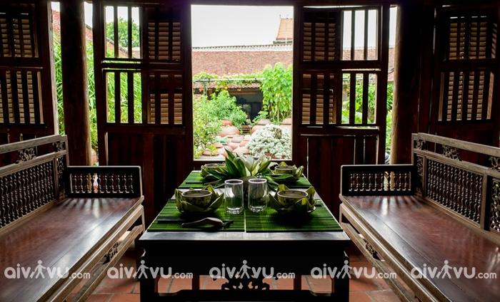 Làng cổ Đường Lâm nổi bật với nhiều mái ngói xưa cũ
