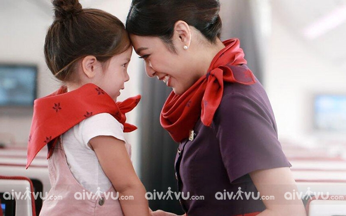 Quy định trẻ em đi máy bay Hong Kong Airlines