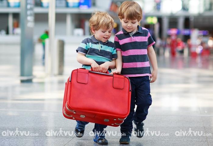 Hạn mức hành lý xách tay cho trẻ sơ sinh và trẻ em