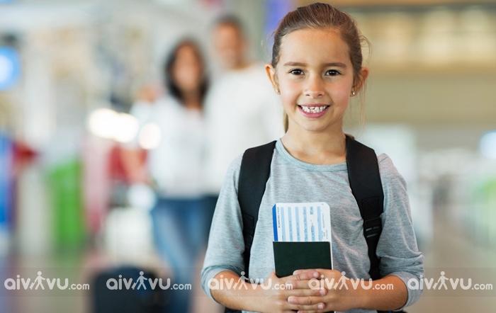 Giấy tờ cần thiết trên chuyến bay quốc tế đối với trẻ em