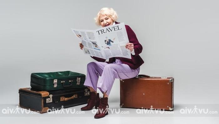 Người già trên 80 tuổi có được phép đi máy bay không?