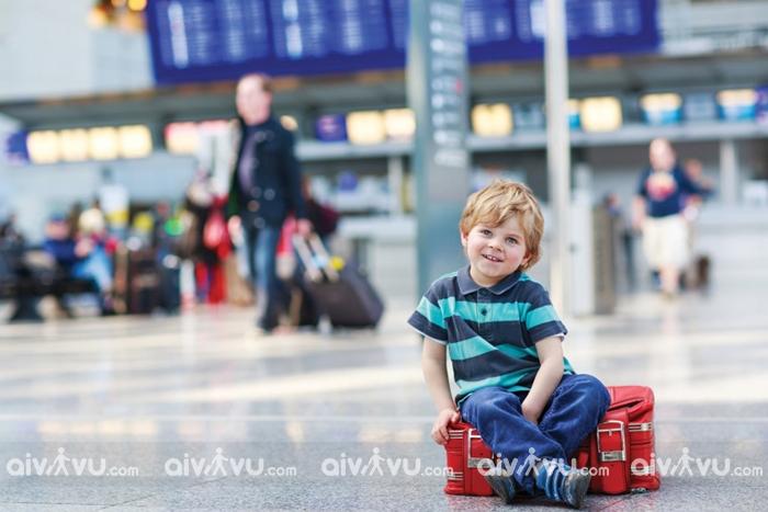 Quy định trẻ em đi máy bay Japan Airlines