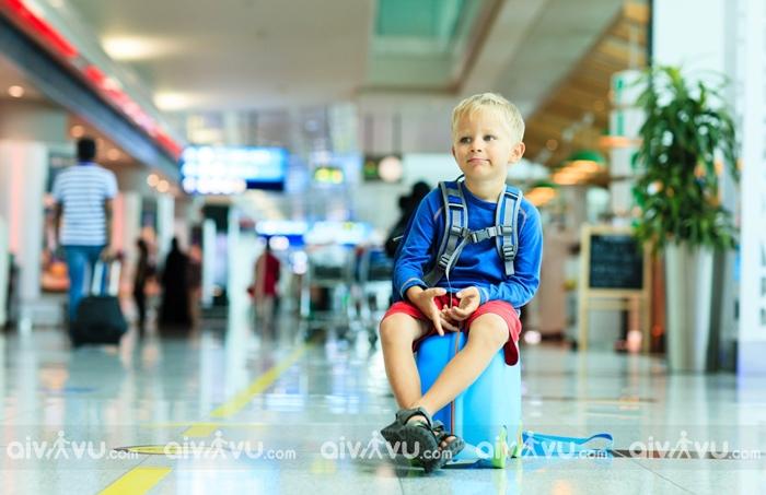 Trẻ em đi một mình trên chuyến bay Air Asia