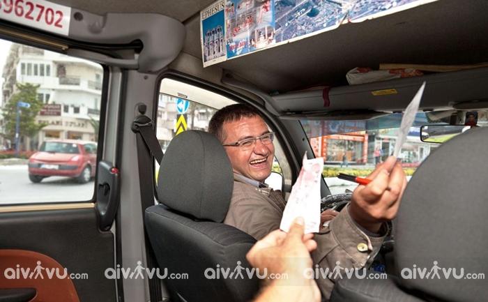 Taxi văn hóa tiền tip khi đi du lịch Mỹ