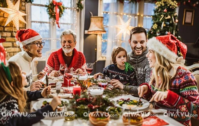 Lễ Giáng Sinh bắt đầu được tổ chức từ khi nào?